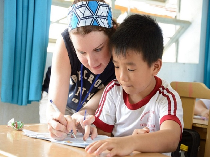 paid teach abroad programs vietnam